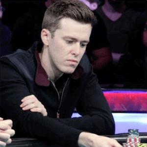 Gordon Vayo spilar póker